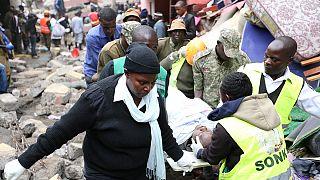 Une petite fille miraculée à Nairobi après l'effondrement de son immeuble