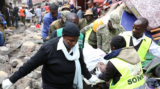 Kenya: baby pulled alive from rubble of Nairobi building reunited with father