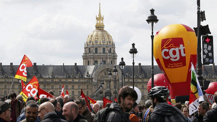 فرنسا: إنضمام رؤساء النقابات إلى صفوف المحتجين على تغيير قانون العمل الجديد