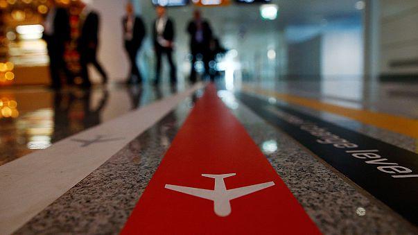 المفوضية الأوروبية تمنح تأييدا مشروطا لاعفاء الأتراك من تأشيرة الدخول إلى شنغن