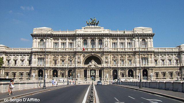 """ايطاليا: سرقة الأطعمة بكميات محدودة عند الحاجة ليست ب""""جريمة"""""""