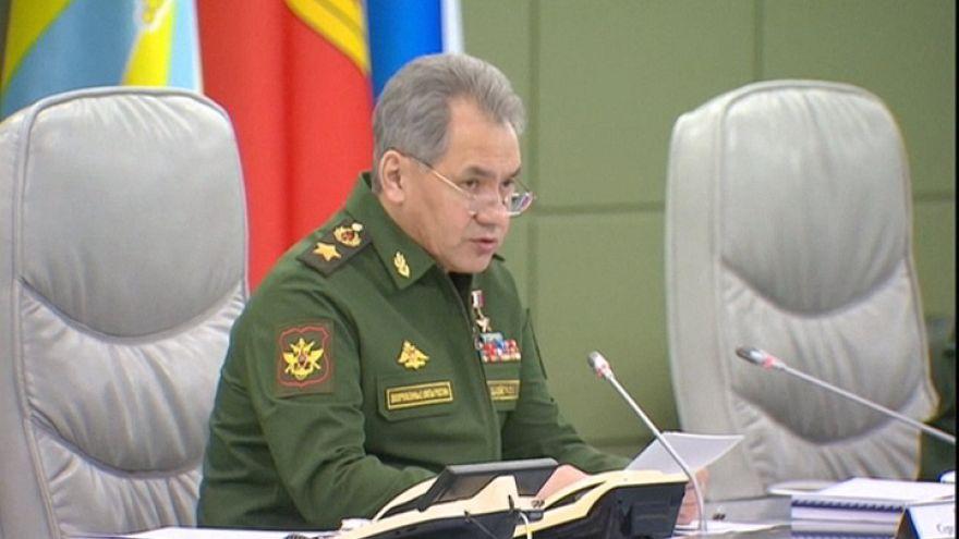 Moscovo responde ao aumento das forças da NATO na fronteira russa com três novas divisões militares
