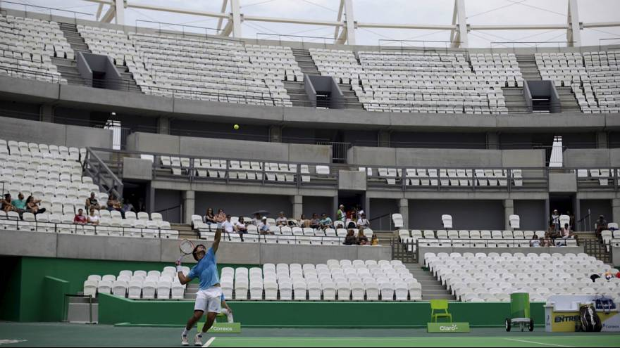 Andy Murray joins Federer in not staying at Rio Olympic Village