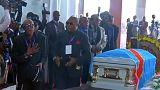 Milhares de pessoas prestam homenagem ao músico congolês Papa Wemba