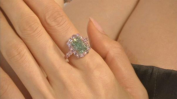 Rekord-Diamant in Hongkong vor Versteigerung