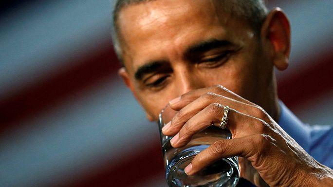 Obama 'kurşunlu' su içti