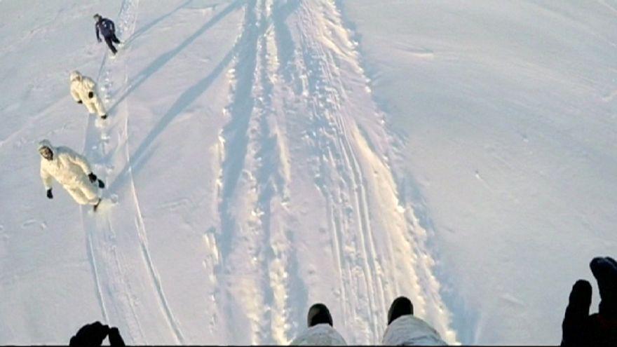 Eiskaltes Militärmanöver: Russische Spezialeinheit trainiert am Nordpol