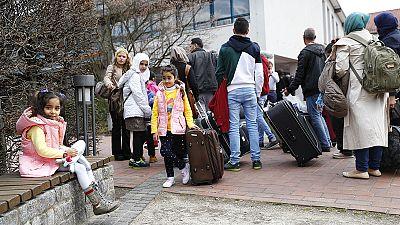 Ouvrir la porte aux réfugiés, est-ce suffisant ?