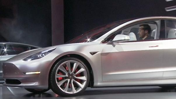 Tesla met le turbo sur la production