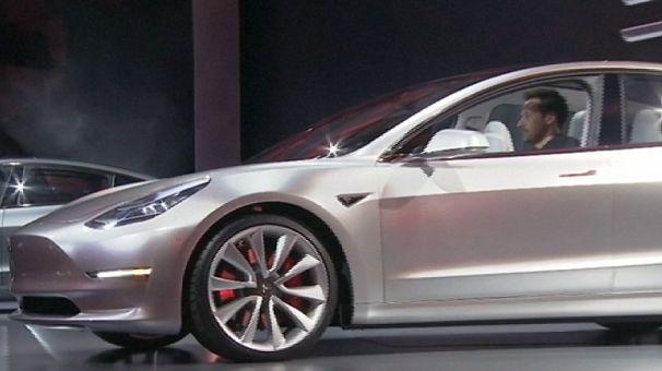 Tesla вп'ятеро збільшує обсяги виробництва електрокарів