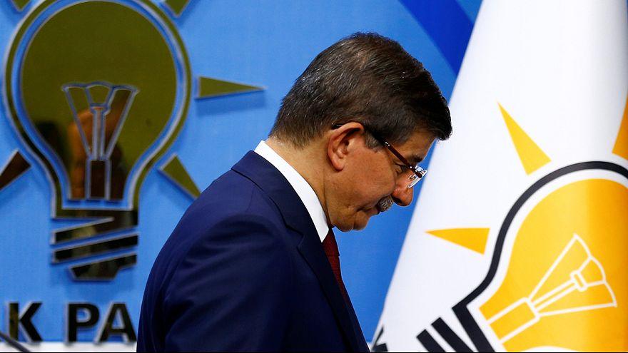 احمد داوود اوغلو از نخست وزیری ترکیه کنار می رود