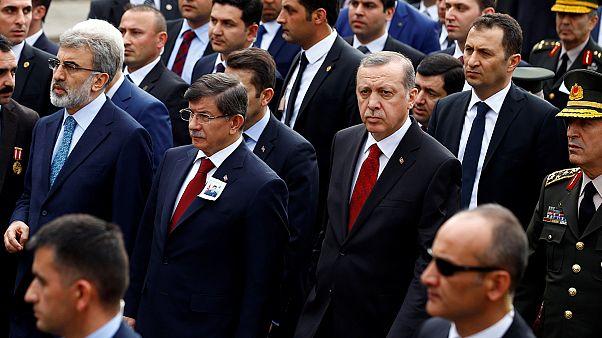 Mi várható Törökországban a kormányfő visszalépése után?