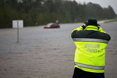 Florence punishes Carolinas with torrential rain, flooding; 8 dead