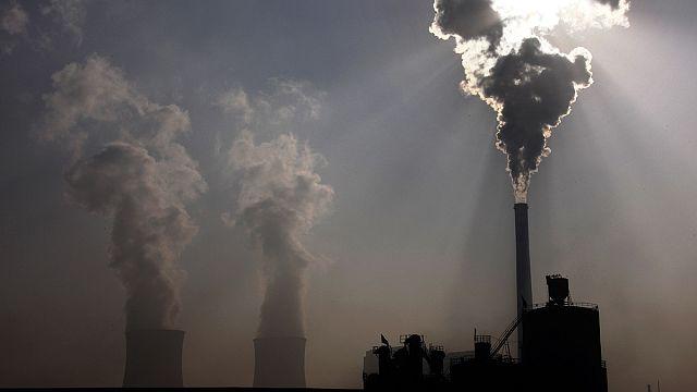 ارتفاع انبعاثات الكربون من دول الاتحاد الاوروبي بعد أشهر من توقيع اتفاقية باريس بشأن المناخ