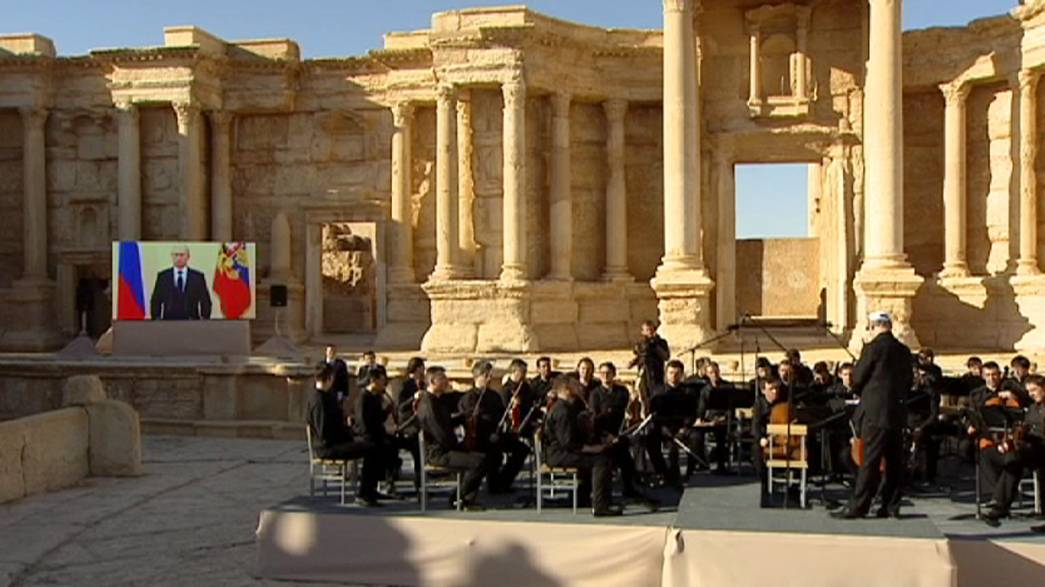 Playing for Palmyra - Russia holds a concert in the ruins