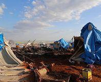 Suriye rejimi mülteci kampını vurdu