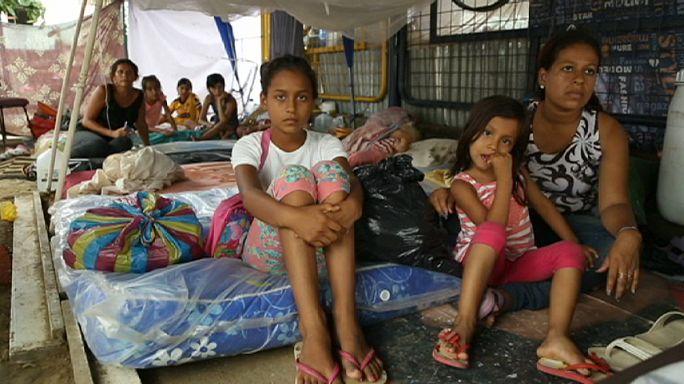 Víz és élelem nélkül a földrengés után Ecuadorban
