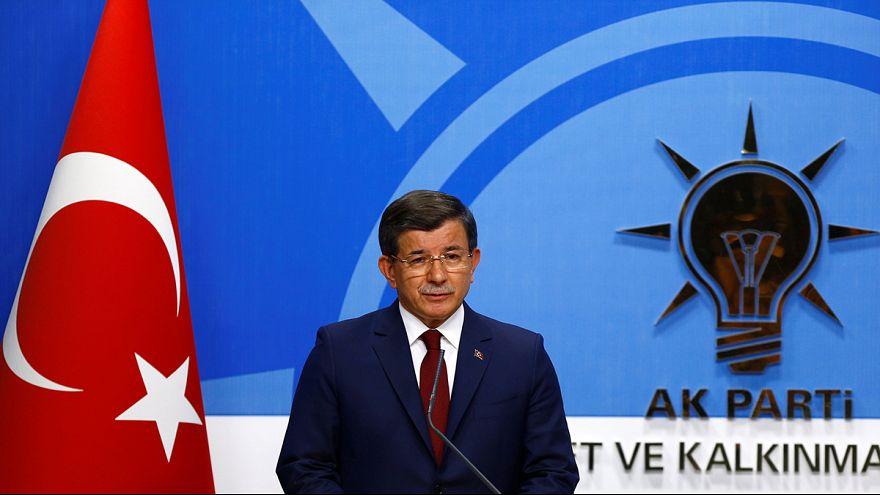 داوود أوغلوا يعلن تنحيه من رئاسة الوزراء التركية