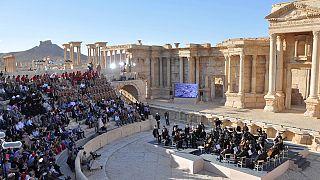 الاوركسترا الروسية تنظم حفلا موسيقيا في مسرح مدينة تدمر الأثرية