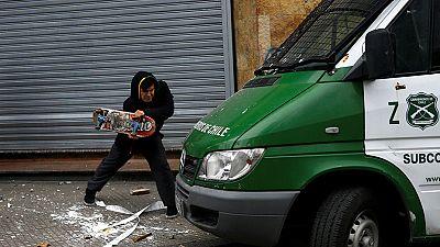 اشتباكات بين الطلاب والشرطة في تشيلي