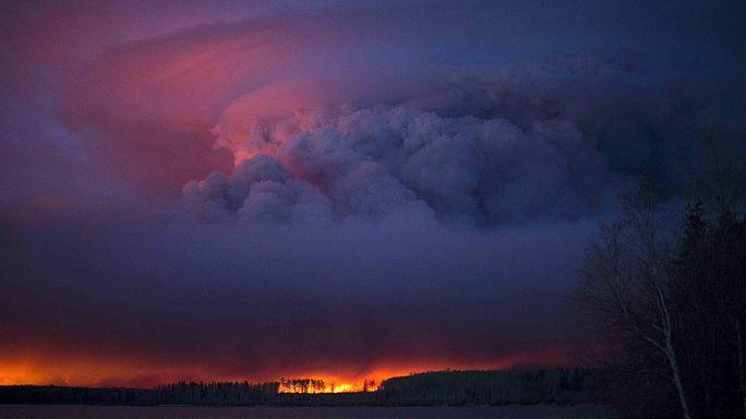 Megfékezhetetlen a tomboló kanadai tűzvész