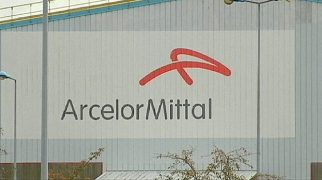 Piegata dal mercato, aggrappata alla Cina: tempi duri ad ArcelorMittal