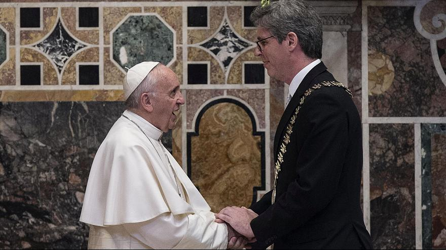 """Pope Francis tells EU leaders """"being a migrant is not a crime"""""""