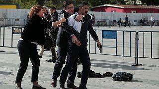 Can Dündar'a silahlı saldırı