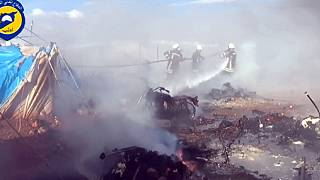 A szír kormány szerint nem az ő gépük égette fel a menekülttábort
