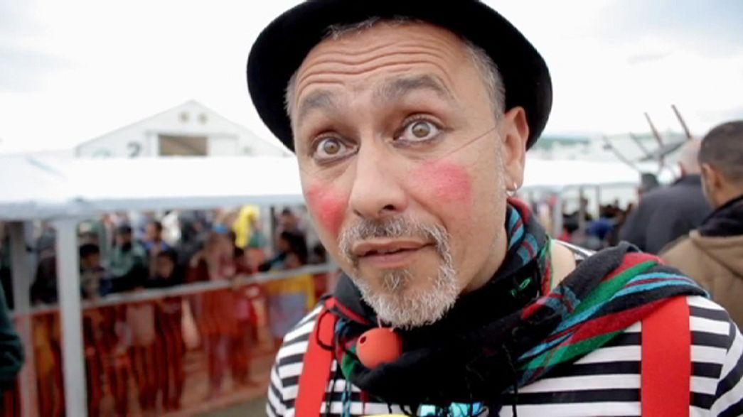 Idomeni, nel campo profughi anche i clown