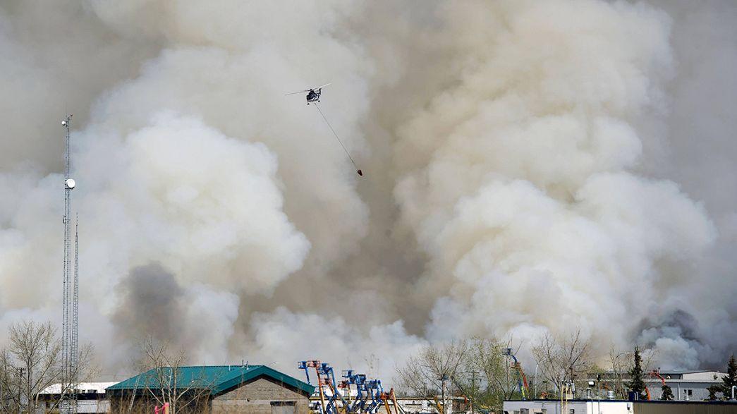 Kanada'nın Alberta bölgesi alevlerle boğuşuyor