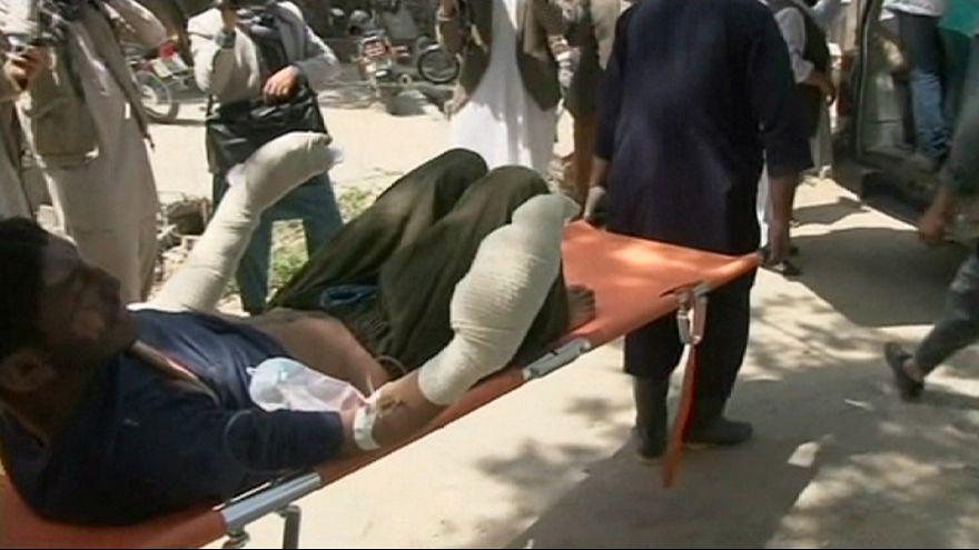 Mais de 70 mortos e dezenas de feridos em acidente rodoviário no Afeganistão