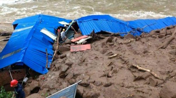 الصين انهيارات ارضية تتسبب في دفن محطة للطاقة الكهرومائية وفقد 34 عاملا