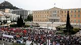 Yunanistan'da sendikalar sokağa indi