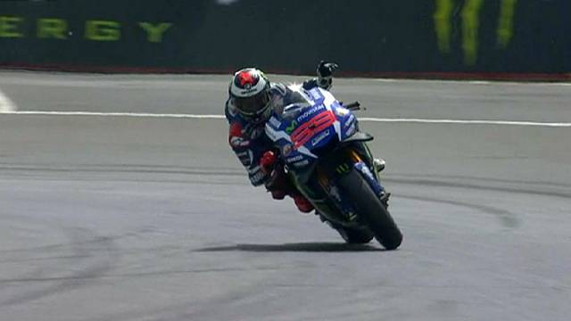 السرعة: خورخي لورونزو يسيطر على الجائزة الكبرى في فرنسا و يدحرج ماركيزللمركز الثاني في ريادة الترتيب العام