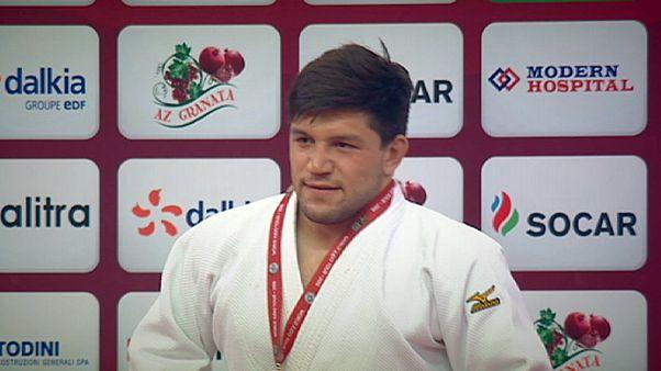 Cirjenics ezüst-, Bor Barna bronzérmes Bakuban