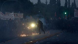 Athènes : heurts devant le Parlement grec