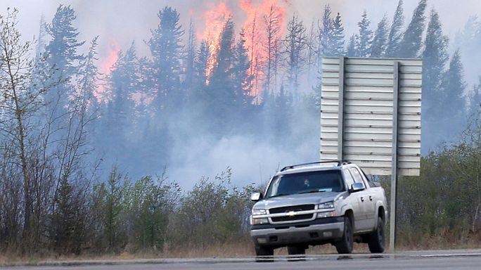 Lassult az erdőtüzek terjedése Kanadában