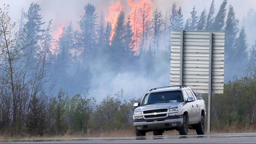 Fort McMurray : la progression du feu ralentit