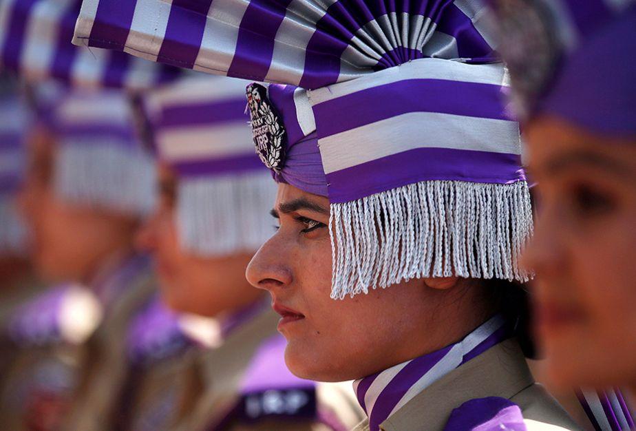 Inde : le prestige de l'uniforme