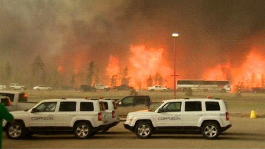 Petrolio in rally per l'incendio in Canada: produzione tagliata di un terzo