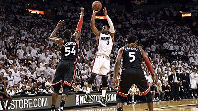 NBA: Dwyane Wade fez a diferença frente aos Raptors