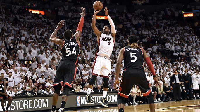 Miami Heat, Toronto Raptors'ı Wade ile devirdi