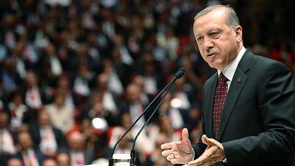 Turquia e Hungria fragilizam gestão europeia do fluxo de refugiados