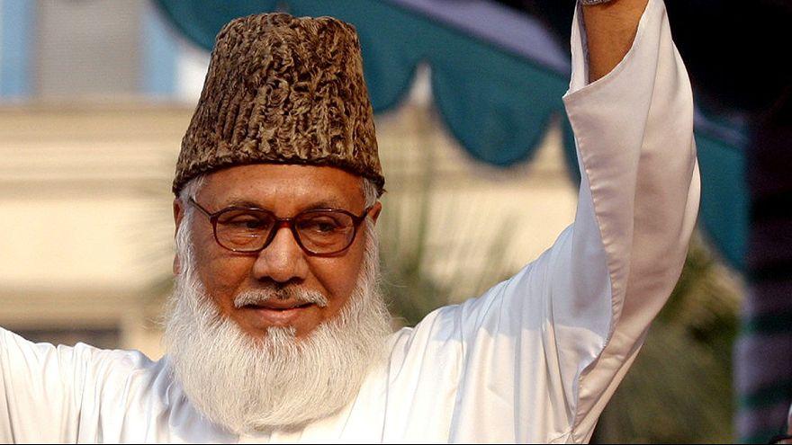 Bangladesh: Executado líder islâmico por crimes de guerra
