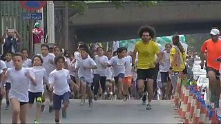 Égypte : des enfants prennent part à un mini-marathon au Caire
