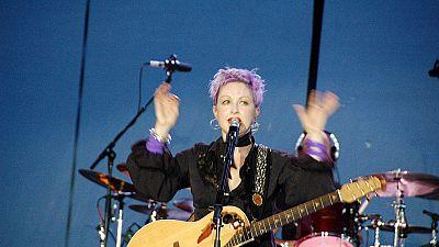 Cindy Lauper revisite la contry music