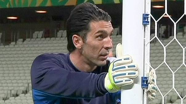 Buffon and on as keeper signs contract to stay at Juve until 40