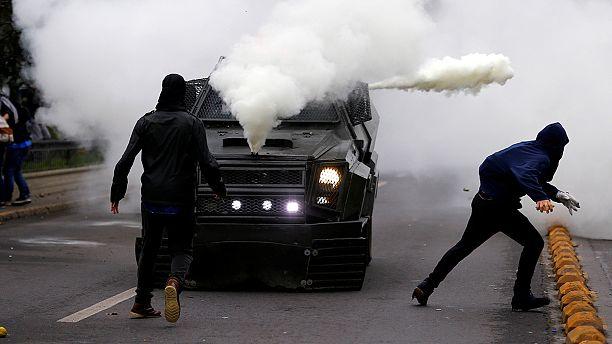 Şili'de öğrenciler ve polis arasında arbede çıktı