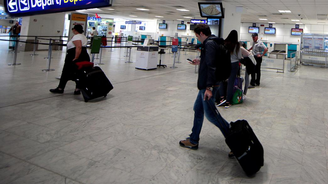 EU visa-free travel for Turks on hold as Turkey refuses to budge on anti-terror law